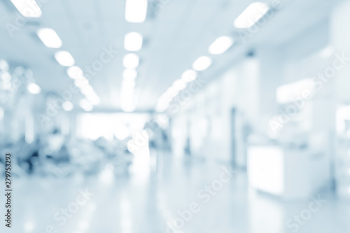 Fotografiet  Blurred interior of hospital - abstract medical background.