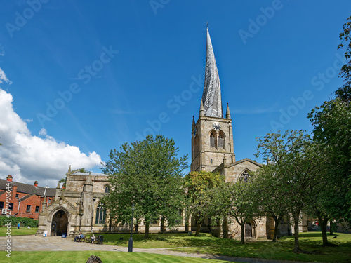Cuadros en Lienzo Chesterfield - St Mary and All Saints' - The Crooked Spire