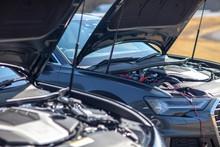 車 修理 故障 メンテ スポーツカー ボンネット ガソリン 修理 オイル 交換 補充 点検 車検