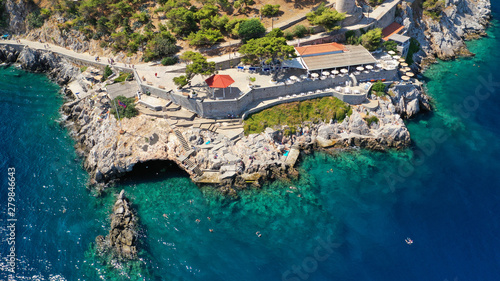 Foto  Aerial drone photo of beautiful turquoise rocky seascape of Hydroneta with pictu