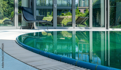 Pool with thermal water Canvas-taulu