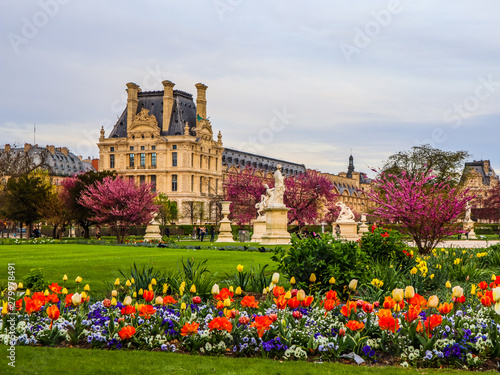 Valokuvatapetti Marvelous spring Tuileries garden and view at the Louvre Palace in Paris France