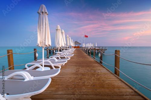 Montage in der Fensternische Rosa hell Beautiful scenery with wooden pier on Turkish Riviera at sunset, Side