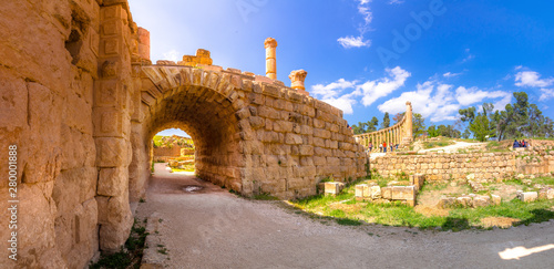 Ancient and roman ruins of Jerash (Gerasa), Jordan. Wallpaper Mural