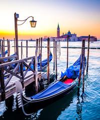 Panel Szklany Podświetlane Wenecja typical gondolas in venice - italy