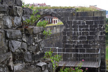 Muralla En Ruina De Hondarribi...