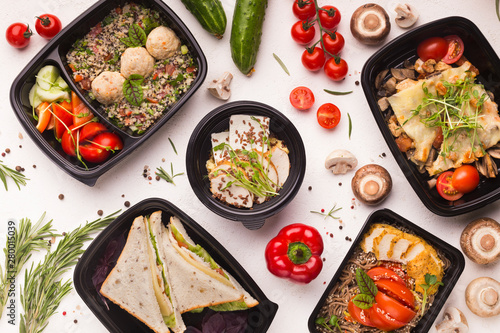 Good quality food in take away boxes with fresh vegetables
