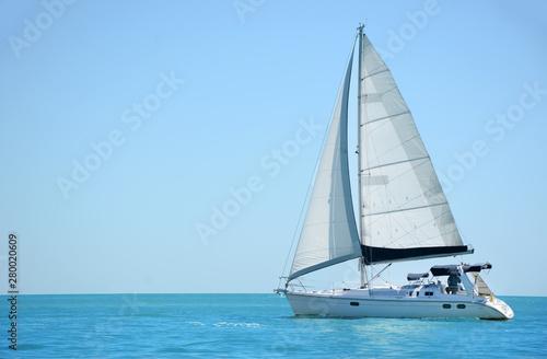Sailboat in the Gulf Fototapeta