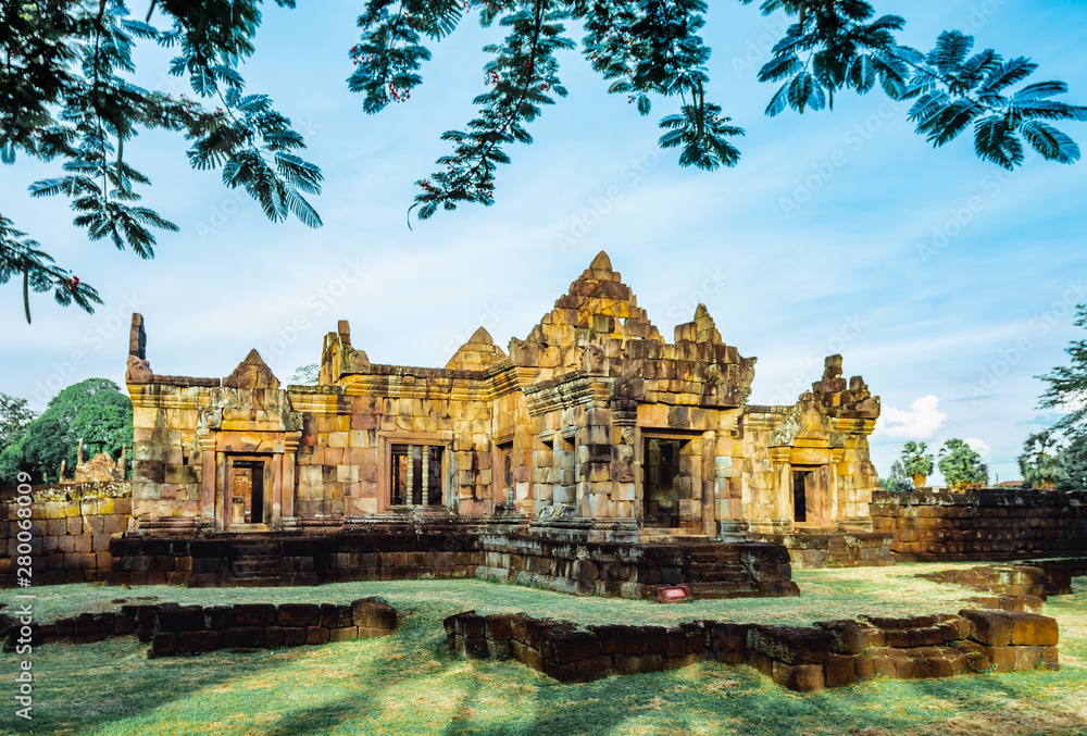 Fototapety, obrazy: Khmer Architecture of Prasat Muang Tam Castle, Buriram, Thailand