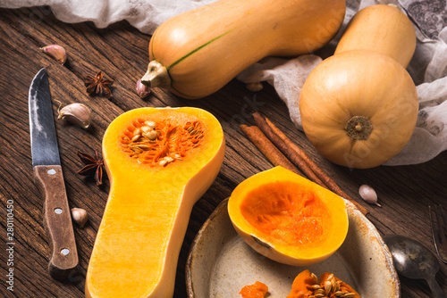 Cuadros en Lienzo fresh butternut squash