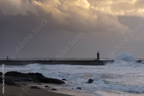 Fototapety, obrazy: Wide view of Douro river mouth piers and lighthouses