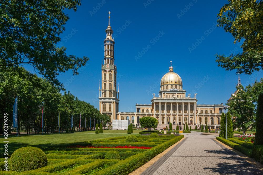 Fototapeta Basilica of Our Lady in Stary Lichen, Wielkopolskie, Poland