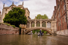 UK, Cambridge - August 2018: St John's College, Punting Below The Bridge Of Sighs
