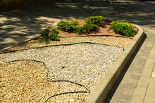 Flowerbed In Landscape Design ...