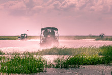 Everglades Airboat Ride In Sou...