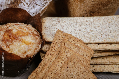 natural bakery products on the table Canvas-taulu