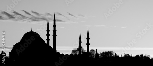 Printed kitchen splashbacks Turkey Mezquitas en Estambul al tardecer, Turquía. Blanco y negro