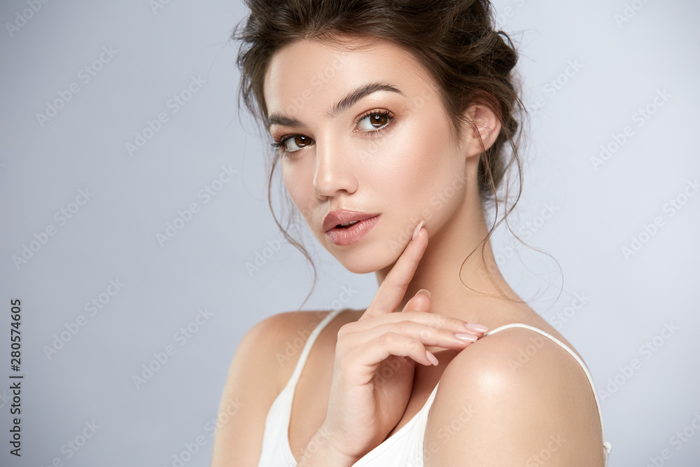 Fototapeta beauty portrait of woman with shiny make-up and glossy lips
