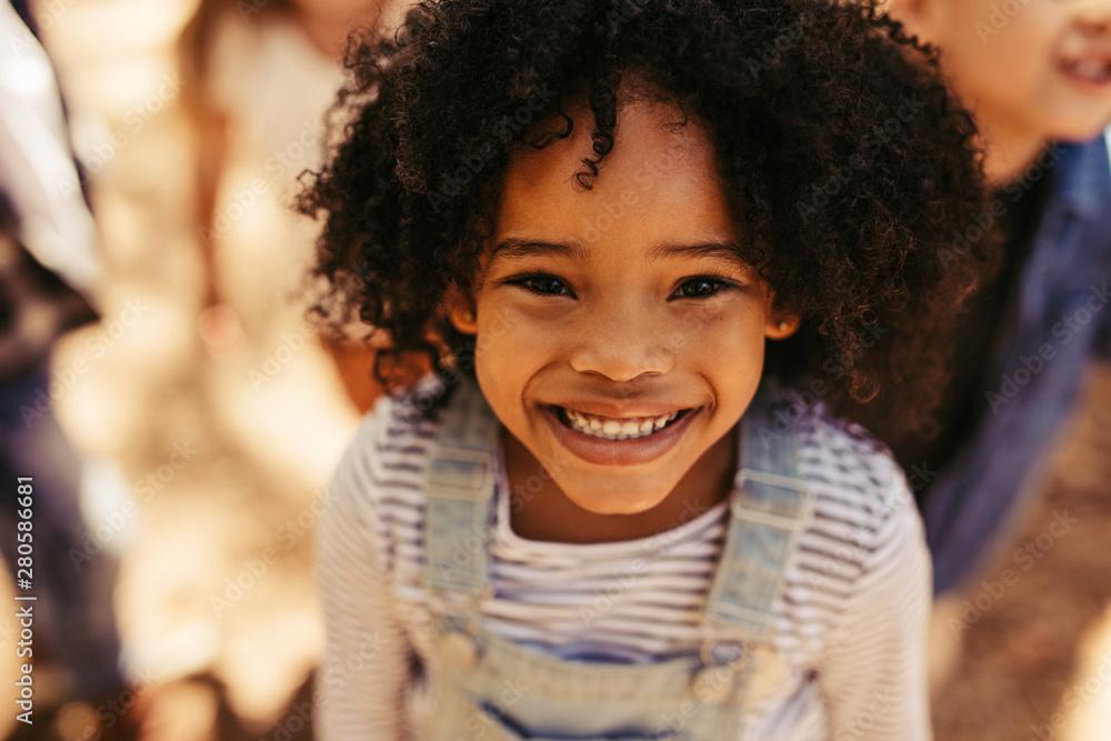 Fototapeta Smiling african girl
