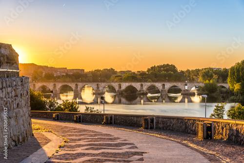 Morning view at the Medieval bridge over river Duero in Zamora - Spain