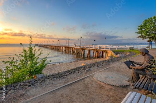 Obraz Świt nad Morzem Bałtyckim, Molo w Gdyni Orłowie, Polska - fototapety do salonu