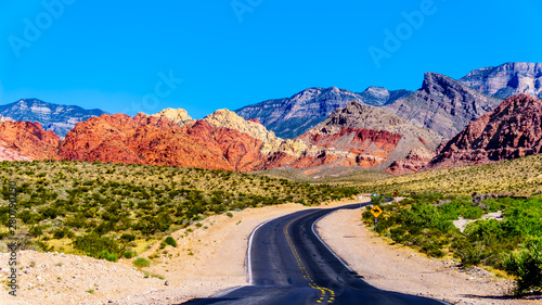 Photo  View of the Red Sandstone Mountains from the winding Calico Canyon Road near Red