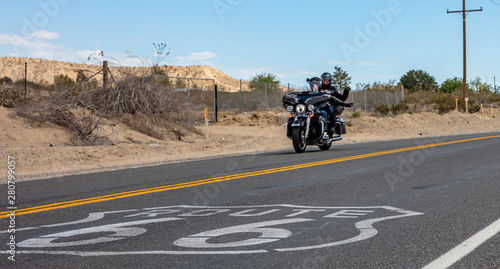 Keuken foto achterwand Route 66 Bikers riding a moto in historic route 66, USA.