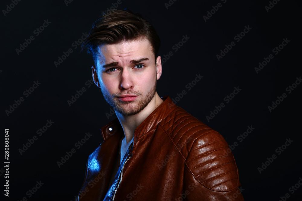 Fototapeta portret mężczyzny w studio