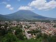 Stadt La Guatemala Antigua Volcan de Agua Vulkan spanische Kolonie Kolonialstadt Erdbeben Stadtbild Mittelamerika Stratovulkan Schichtvulkan Vulkankegel Aussichtspunkt Naturkatastrophe Weltkulturerbe