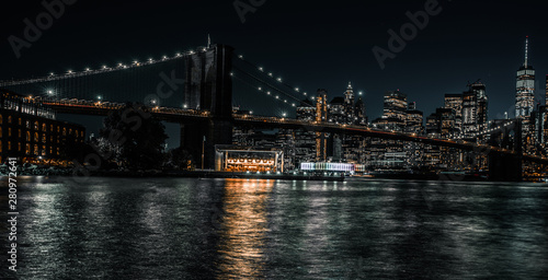 Montage in der Fensternische Brooklyn Bridge Brooklyn Bridge long exposure