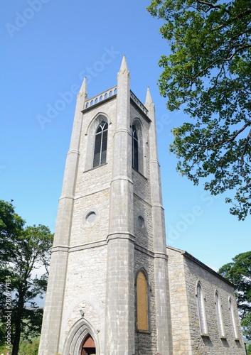 St. Columba's church e village of Drumcliff, near Sligo, Ireland. Famous Irish writer and poet Yeats is buried in the church yard.