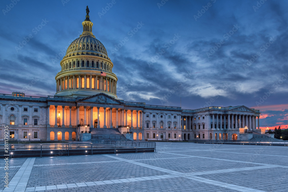 Fototapety, obrazy: The United States Capitol building at sunset, Washington DC, USA.