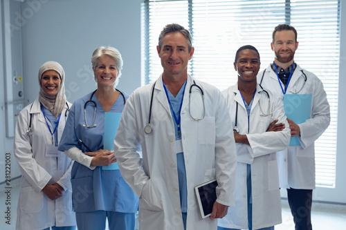 Medical team standing together in hospital Fototapet