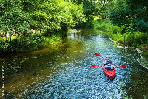 Obraz Kajaki kajakarstwo rzeka weekend wakacje lato woda sport - fototapety do salonu
