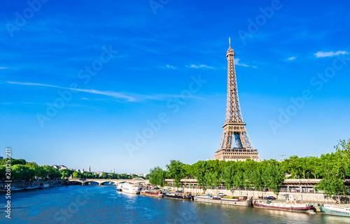 世界遺産 パリのセーヌ河岸 エッフェル塔
