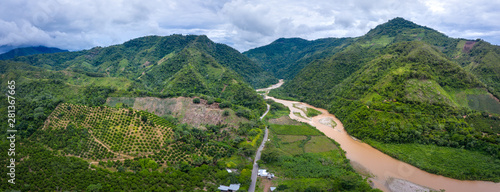 Photo sur Toile Rivière de la forêt Landscape in the Peruvian rainforest