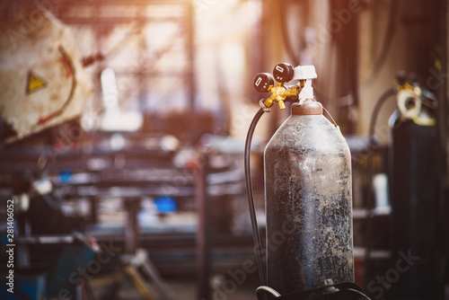 Cuadros en Lienzo  Iron gas cylinder for welding products