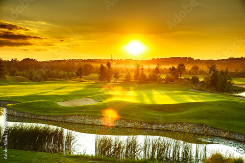 Foto auf Leinwand Orange Golf course