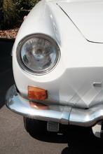 Weißer Französischer Heckmotor Sportwagen Der Fünfzigerjahre Und Sechzigerjahre Bei Den Golden Oldies In Wettenberg Krofdorf-Gleiberg Bei Gießen In Hessen