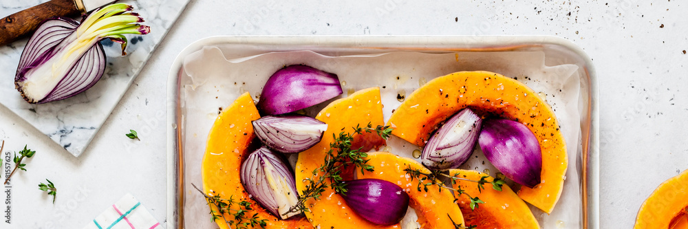Fototapety, obrazy: Squash Slices with Red Onions to Roast