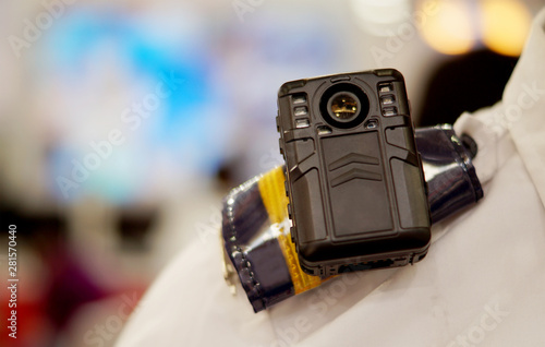Cuadros en Lienzo body worn camera to capture photos and video during law and order situations by