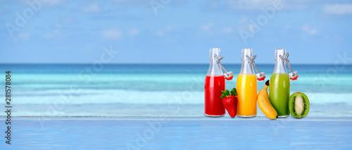 Urlaub an der Poolbar Fototapet