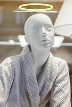 Mannequin Angel Fashion Concep...