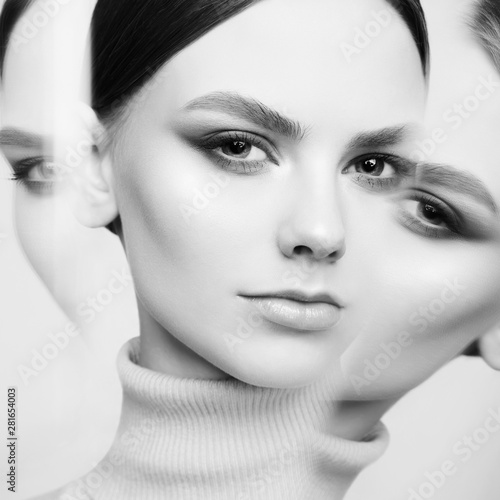 Foto auf Acrylglas womenART Young beautiful brunette with retro hairstyle