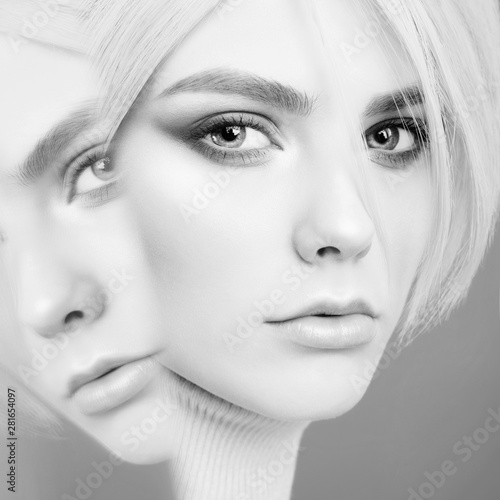 Foto auf Acrylglas womenART Young beautiful blonde with retro hairstyle