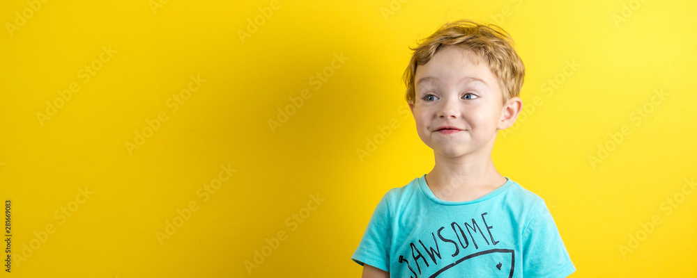 Fototapety, obrazy: adorable small three years old boy with cute face expression