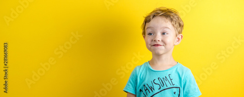 Fotomural  adorable small three years old boy with cute face expression