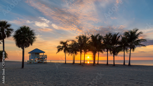 Sunrise at palm trees by the ocean beach in Key Biscayne, Florida Canvas-taulu