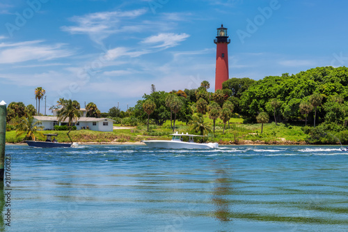 Valokuva Beautiful view of the Jupiter lighthouse at sunny summer day in West Palm Beach