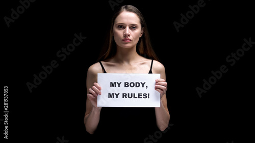 Cuadros en Lienzo Woman showing my body my rules sign, accepting individual imperfections, freedom